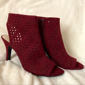 NWOB Nine West Maroon Gladiator Heels